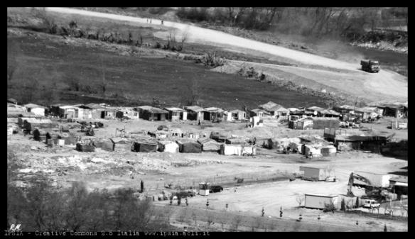 Campo nomadi a Scutari, Albania-Roberto Mannai