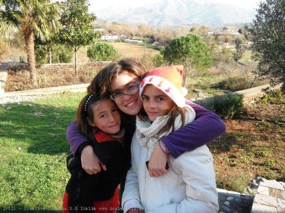 Gezuar Krishtlindjet... Festa di Natale con i bambini di Sheldi, Albania